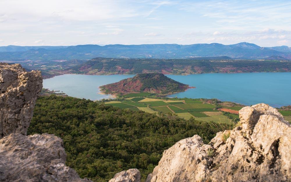 Vue sur les hauteurs du Lac du Salagou