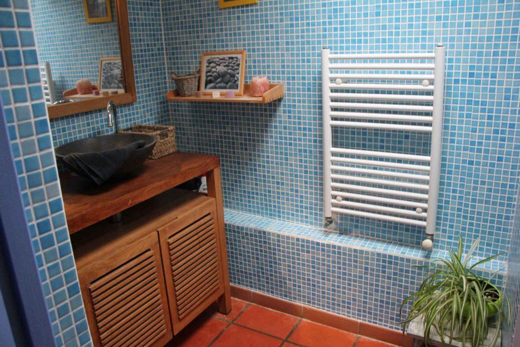 Salle de bain et séche serviette